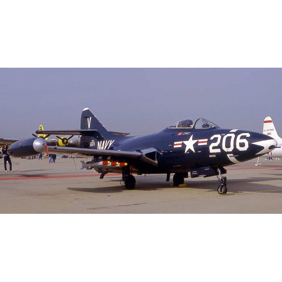 Skymaster F-9F Panther